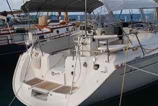 BOLO stolen Blue Highways 44' Beneteau