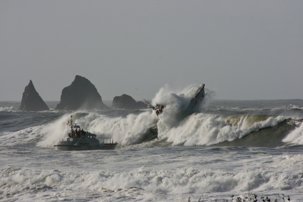 Coast Guard Rescues 3 off the Coast of La Push, WA